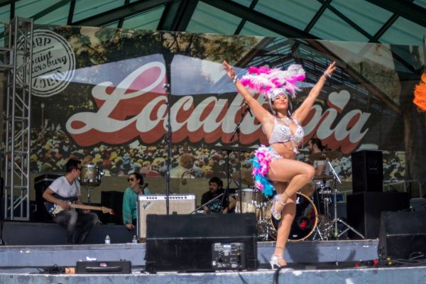 Localtopia 2019 Samba dancer on bandstand